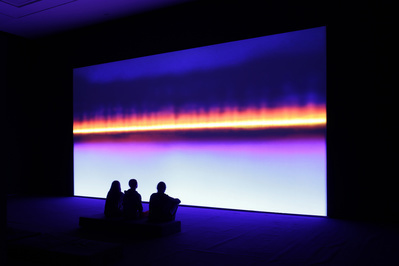 Resounding (Ultraviolet), 2014 (Installation at Les Abbetoir...