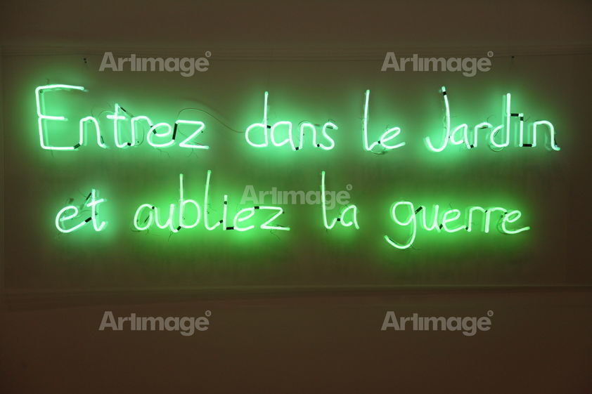 Enlarged version of Guerre Jardin, 2014