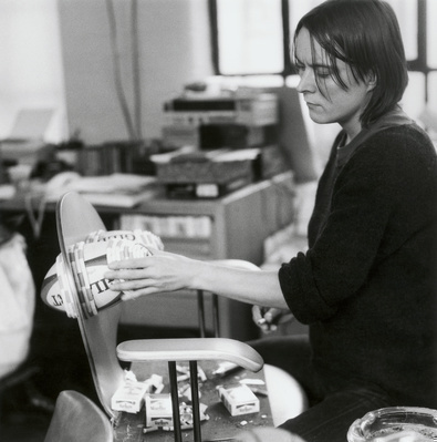 Sarah Lucas, Studio, Clerkenwell, London, 2000 By Johnnie Shand Kydd