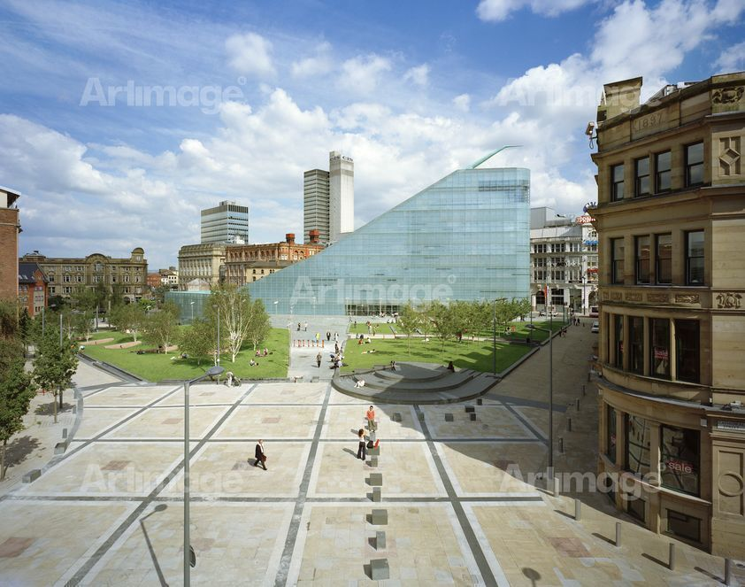 "alt=""Urbis and Cathedral Gardens, Manchester, 2002"""