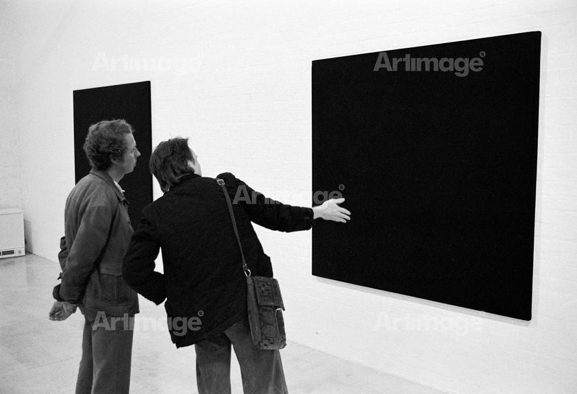 Reportage from the Free Photographic Omnibus: Exhibition opening, Bob Law, Ten Black Paintings. Museum of Modern Art, Oxford, 1974