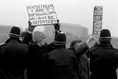 Miners from Bentley Colliery picket at Thoresby Colliery, No...