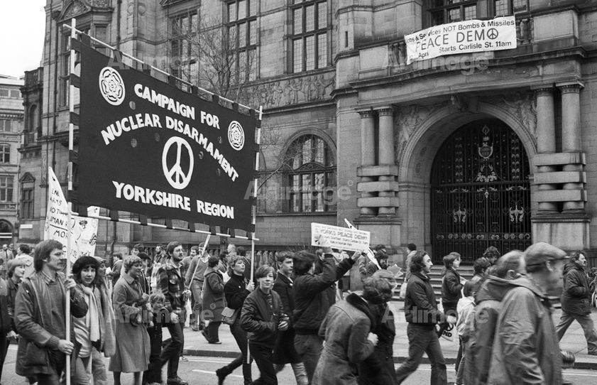 Enlarged version of CND march going past Sheffield Town Hall, 10 April 1982