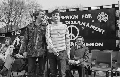 Comedians Bobby Knutt & Tony Capstick at CND rally, Sheffiel...