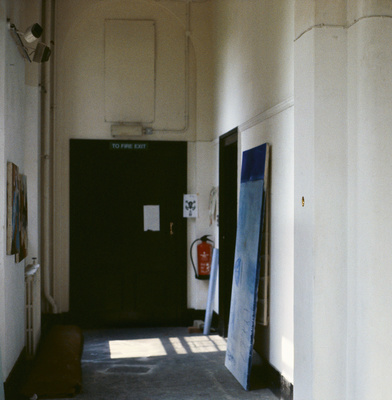 Work No. 19, An intrusion and portrusion from a wall, 1989