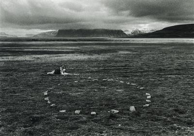 Leaving the Stones, 1995 By Richard Long
