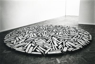 Whitechapel Slate Circle, 1981  By Richard Long